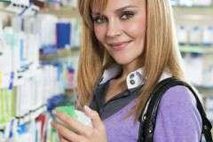 Как правильно выбрать аптечные средства от прыщей