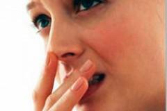 Фурункулез опасен и требует безотлагательного лечения