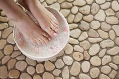 Как размягчить и удалить ноготь на ноге при грибке