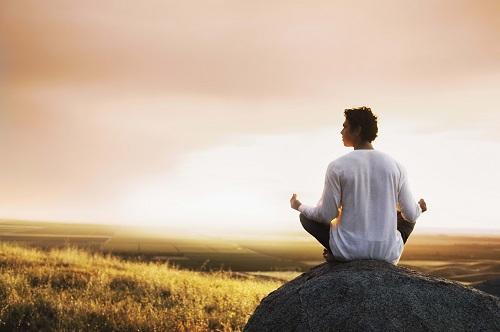 На фото: медитация